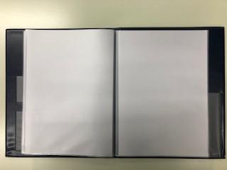 ビニール製のクリアブックがあります。