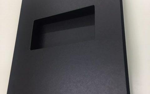 フラットファイルより厚い紙ファイルです!